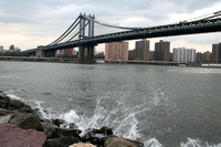Manhattan Bridge Cove Splash